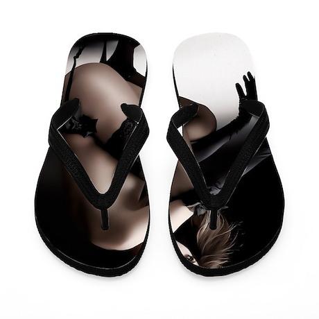 l89o897 Flip Flops