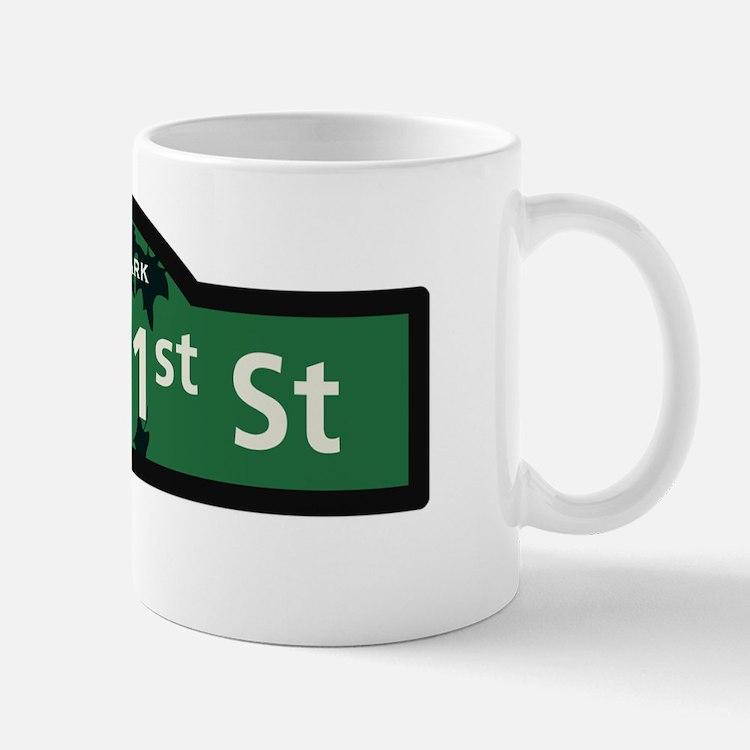 st_41w_P Mug