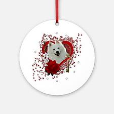 Valentine_Red_Rose_American_Eskimo Round Ornament