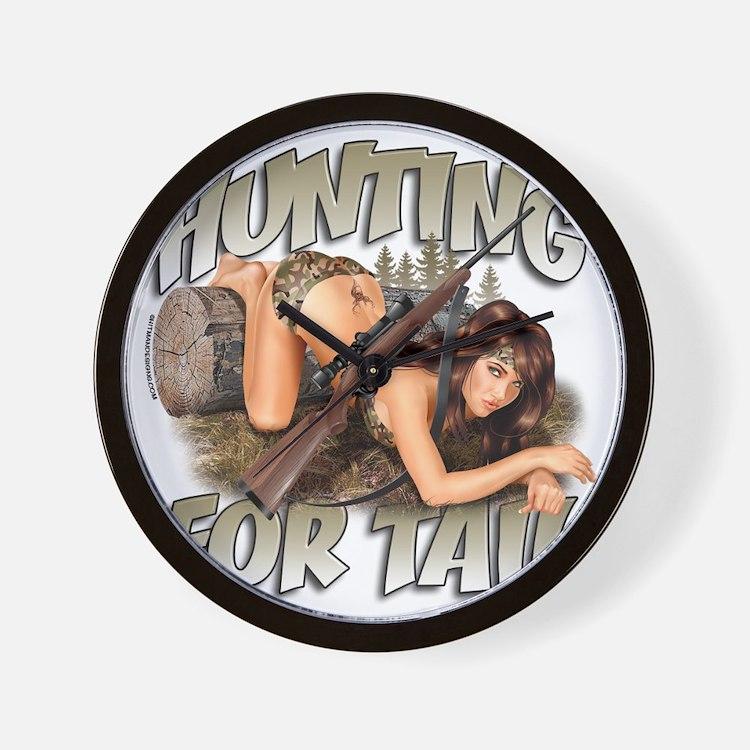 CP1008-HuntingForTail-Pinup Wall Clock