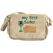 first-seder Messenger Bag