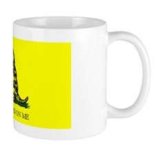Gadsden-Flag-(yellow) Mug