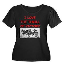 HARNESS Women's Plus Size Dark Scoop Neck T-Shirt