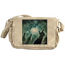 Pointtothesky large Messenger Bag
