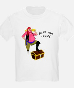 Pirate - Kiss Me Booty Kids T-Shirt