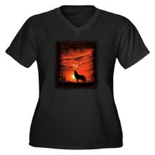 Coyote Howli Women's Plus Size Dark V-Neck T-Shirt
