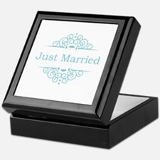 Just married in blue Keepsake Box