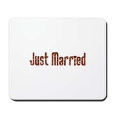 Just Married - Vintage Red Mousepad