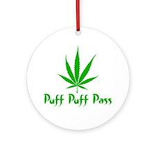 puffpuffpassLeafy Round Ornament