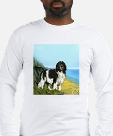 landseer on the beach Long Sleeve T-Shirt