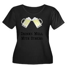 Drinks W Women's Plus Size Dark Scoop Neck T-Shirt