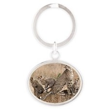 Cheetah and cubs5 -large Oval Keychain
