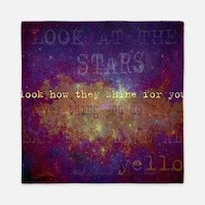 Look At The Stars Look T-shirt copy Queen Duvet