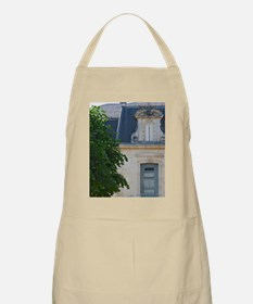 The small but very well proportioned main ch Apron