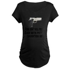 guns and daughters T-Shirt