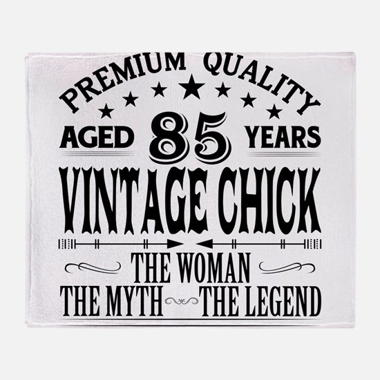 VINTAGE CHICK AGED 85 YEARS Throw Blanket
