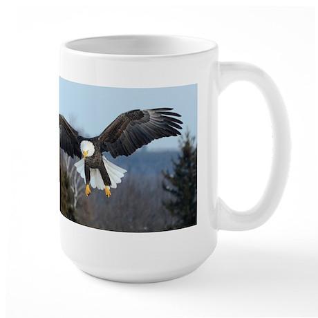 Eagle landing Large Mug