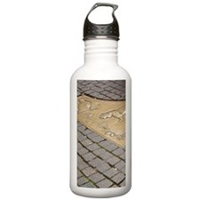 Red Square. Bronze com Water Bottle
