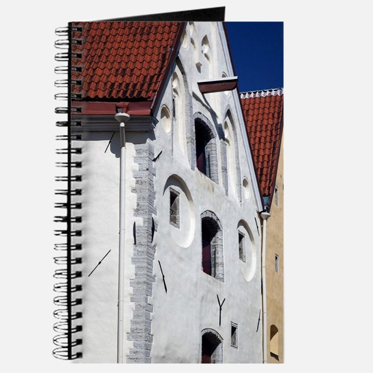 Three Sisters Hotelld Town, Pikk Street, T Journal