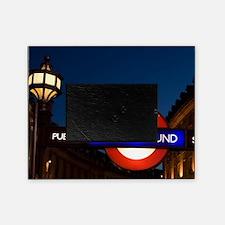 England, London. Underground Tube en Picture Frame
