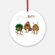 BloodhoundShirtDark Round Ornament