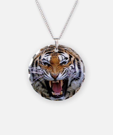 Atiger shirt Necklace