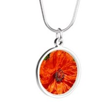 Poppy Silver Round Necklace