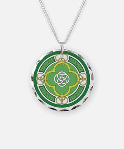 ---with rings green white go Necklace