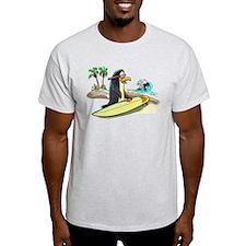 PeNgUiN SuFeRs T-Shirt