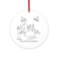 6677_juggling_cartoon Round Ornament