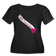 Miss Dec Women's Plus Size Dark Scoop Neck T-Shirt