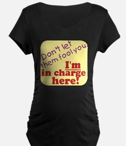 im in charge.gif T-Shirt
