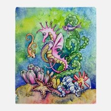 hugs from mommy seahorse Throw Blanket