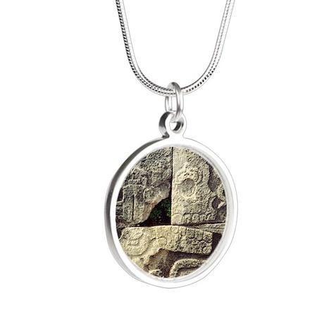 Miquiztli2 Silver Round Necklace