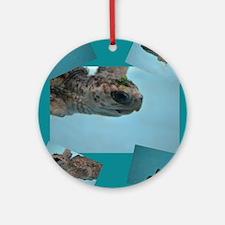 baby sea turtle Round Ornament