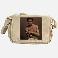 o1 Messenger Bag