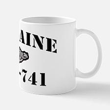 maine black letters Mug