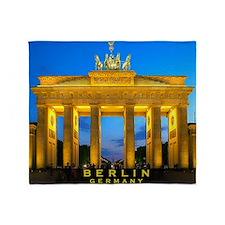 large print_0000_Brandenburg Gate Th Throw Blanket