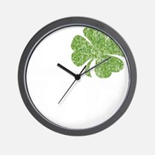 love_shamrock_white Wall Clock