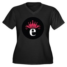 Estro_button Women's Plus Size Dark V-Neck T-Shirt