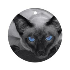 lucy-shower Round Ornament
