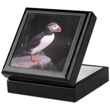 puffin on the rocks Keepsake Box