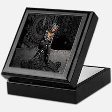 ttro_king_duvet Keepsake Box