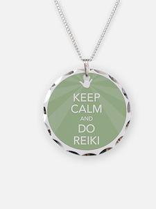 SHIRT KEEP CALM GREEN Necklace