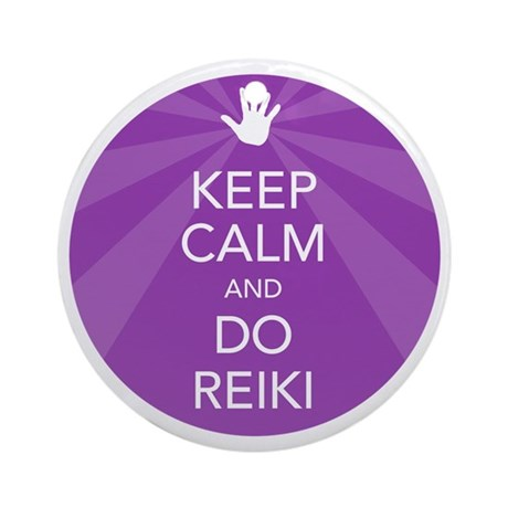 SHIRT KEEP CALM PURPLE Round Ornament