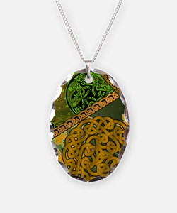 CELTIC-THROW-PILLOW Necklace
