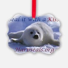 seal-kiss2b Ornament