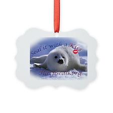 seal-kiss3c Ornament
