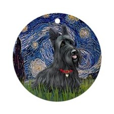 Starry-Scotty1 Round Ornament