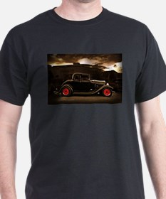 1932 black ford 5 window T-Shirt